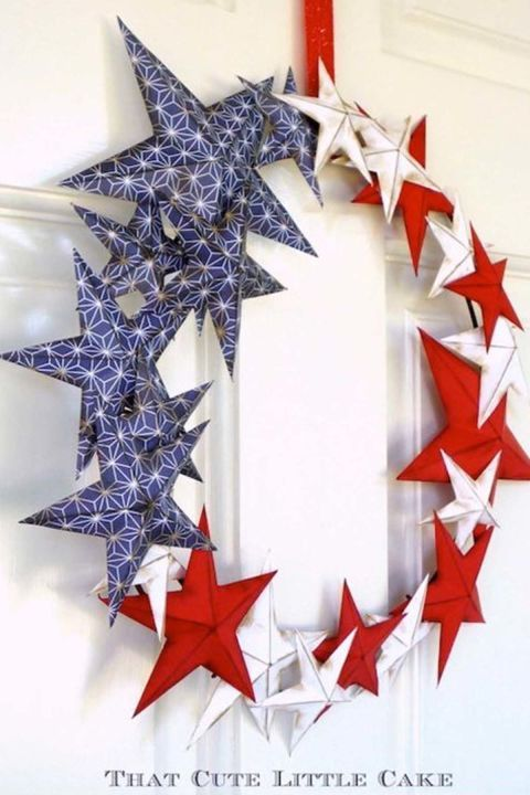 Starry Wreath: This stellar number will look stunning on your front door, mantel, or window. Click through to find more quick, DIY 4th of July wreaths to add to your summer home decor.
