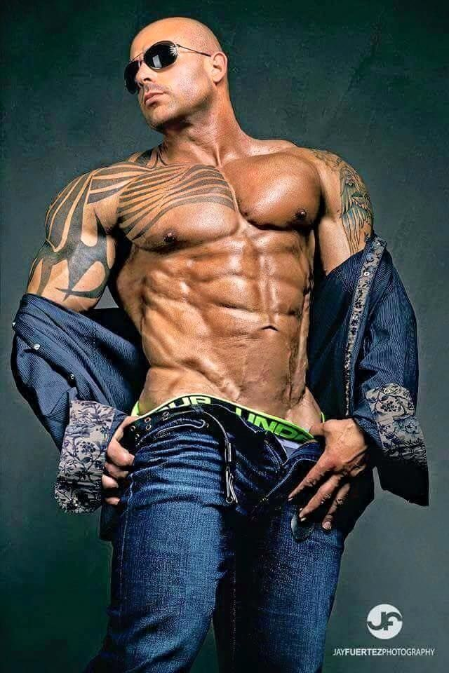 17 best images about chicos guapos on pinterest marlon for Tattoos for gay men