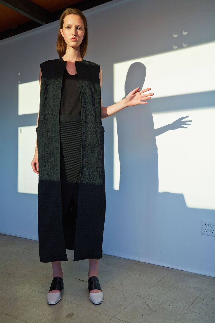 See the complete Zero + Maria Cornejo Pre-Fall 2016 collection.