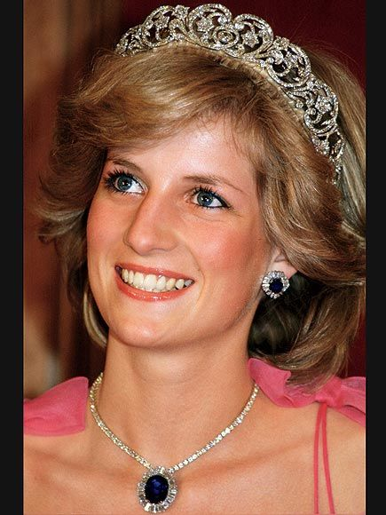 *THE SPENCER Kate won't get the Spencer family headpiece that Diana wore on her wedding day. But she might land the sapphire necklace William's late mum got as a wedding gift from the Saudi Crown Prince, which she wore along with her tiara during an official tour of Australia in 1983.
