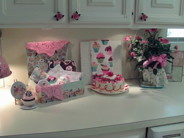 Penny 39 s vintage home refreshing the kitchen for 35 for Cupcake themed kitchen ideas
