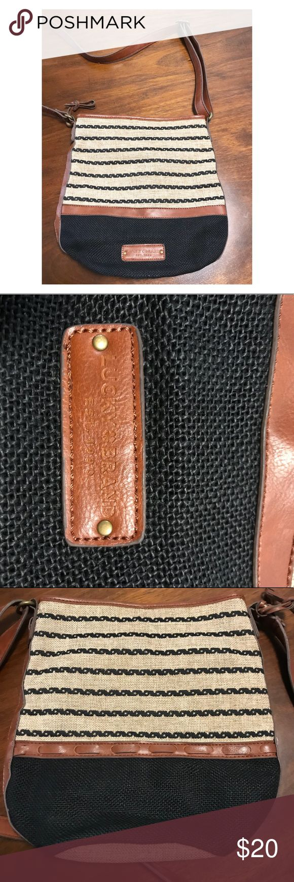 ☘️Lucky Brand Purse ☘️ Lucky Brand Purse •perfect condition, only used once  •zippers and pockets  •adjustable side strap Lucky Brand Bags