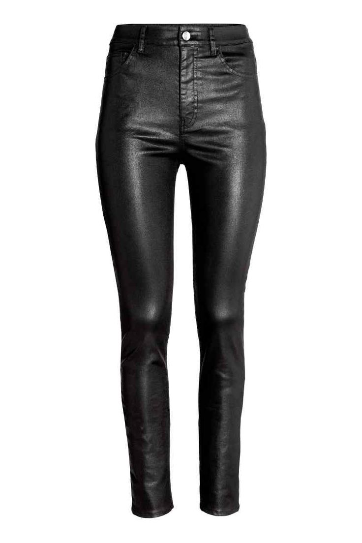 Calças High waist (preto): H&M (24,99€) ✓