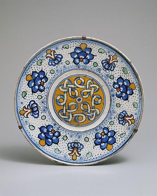 Maiolica    Plate  tagliere  Circa 1500    Italian    The Metropolitan Museum of Art
