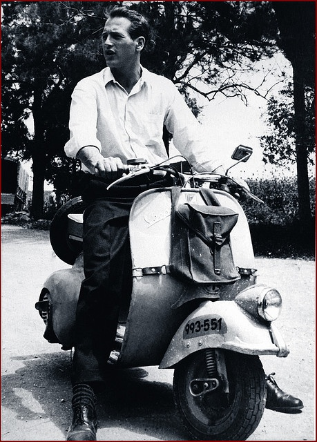 Paul Newman on '50s Vespa Faro Basso fenderlight