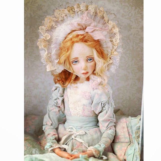 София, сестренка Марии. Две сестры :) Кукла находится в частной коллекции.
