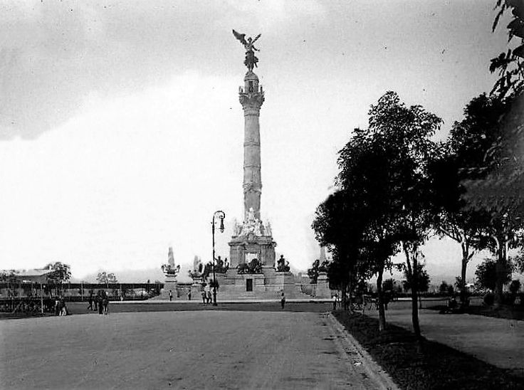Columna de la Independencia en 1910.