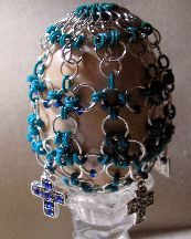 Chain Maille and Bead Egg pattern. Love the idea of doing it in chainmail. Colorful possibilities.