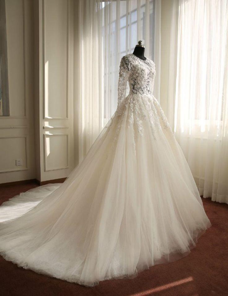 Real Samples Long Sleeves Muslim Wedding Dress,Lace Applique Flowers Wedding Dress ,Wedding Gown,A-line Crystal Wedding Dress,Bride Dresses SW16