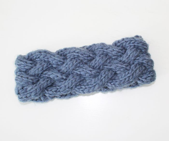 Knit cable headband with free pattern. The pattern is easy to remember, and it looks awesome!