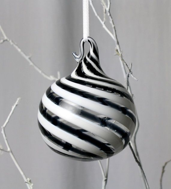 1000+ Ideas About Black Christmas Trees On Pinterest
