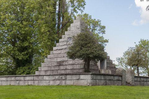 Pyramids in Washington: Everett's Evergreen Cemetery