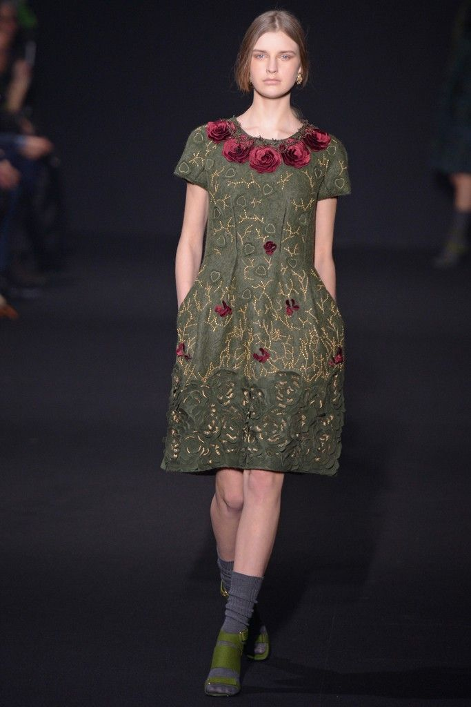 Alberta Ferretti RTW Fall 2014 - Slideshow