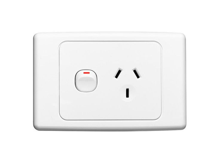 Clipsal 2015 Single Power Point 10A GPO Single Switched Socket White 2000 series