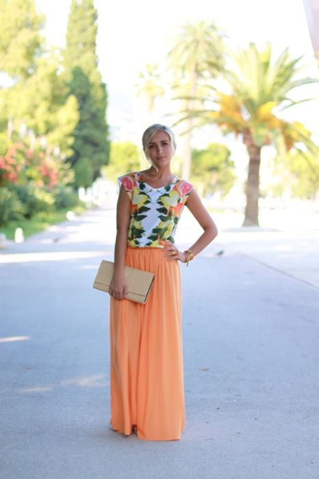 Love the Peachy-Orange and Floral comboSummer Looks, Summer Outfit, Long Skirts, Summer Skirts, Summer Colors, Spring Outfit, My Style, Maxi Skirts, Maxis Skirts