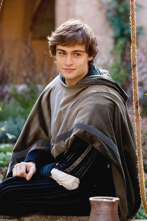 Douglas Booth in a promotional still for Carlo Carlei's Romeo & Juliet (2013).