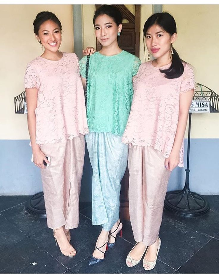 "2,138 Likes, 24 Comments - Kebaya Inspiration INDONESIA (@kebaya_inspiration) on Instagram: ""Pastel beauty. Regram from @jwidjojo  #kebayainspiration #kebaya #Indonesia"""