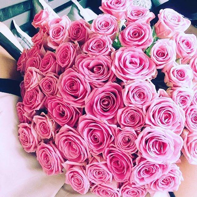 What a wonderful day #цветы#розы#instadaily#instabest#lifestyle#bestoftheday#wonderful#day#special#germany#frankfurt#девочкитакиедевочки#flowers#roses#europe#франкфурт#германия#люблюнемогу