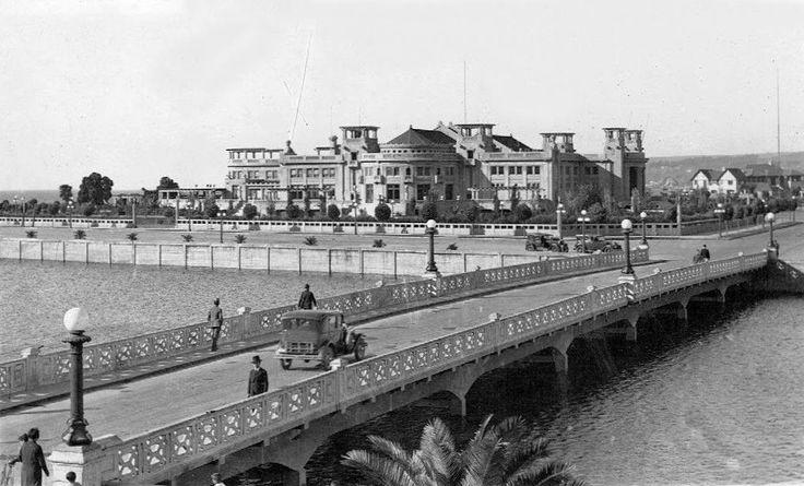 Viña del Mar. Puente Casino. Al fondo se observa el Casino Municipal de Juego