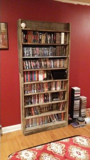 Movie shelf made from pallets