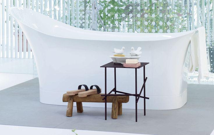 La designer spagnola Patricia Urquiola ama il mix di stili differenti. Con Axor Urquiola scompare la separazione tra stanza da bagno e camera da letto. La collezione è così adattabile che può essere combinata in modo eccezionale con tutti gli oggetti del bagno. I miscelatori per lavabo, doccia e vasca #Axor #Urquiola #design #hansgrohe #ognibagnohabisognodiunsogno #bagniaxor #highdesign #interiordesign #interni #bagno #Arredobagno #rubinetteria #bath #bathroom #bathroomfurniture #bellezza…