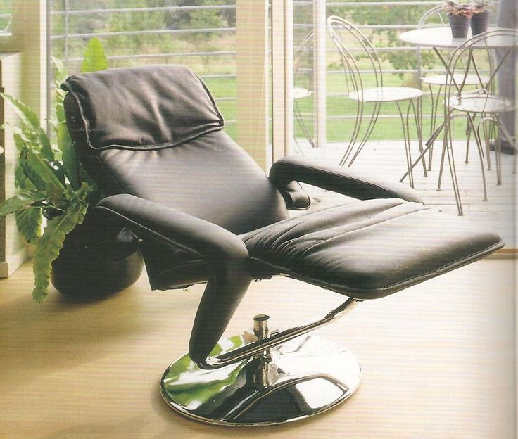 """The """"New"""" trend from IMM Cologne 2015, which Steen Ostergaard already developed in the early 80'ies!  He made many variations of it, here you see the model Candis, in a soft leather with a shiny foot and the body balance system. A perfect TV chair for the home cinema -or where would you use it? The chair is the first chair with synchronized movement of back and footrest, always in balance without using handles. The Principe is developed and constructed by Steen Ostergaard and patented…"""