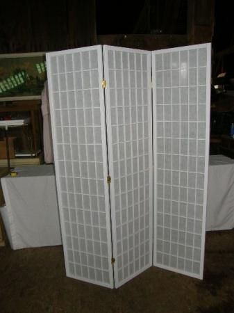 Vintage Clean Crisp White Screen Room Divider Curtain Wall Dressing Privacy Mod