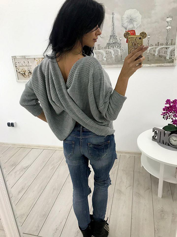 NOWE KOLORY Swetra z wyciętymi plecami ❣️❣️❣️ Cena: 69,99 zł Link do produktu: ➡️http://bit.ly/2xQIQeN⬅️ Stylistka Sara <3