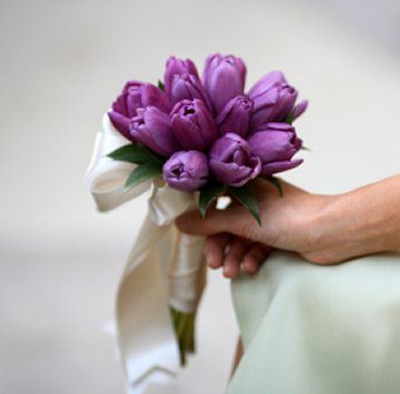 Google Image Result for http://www.wedding-flowers-and-reception-ideas.com/images/tulip-bridal-bouquet-01.jpg
