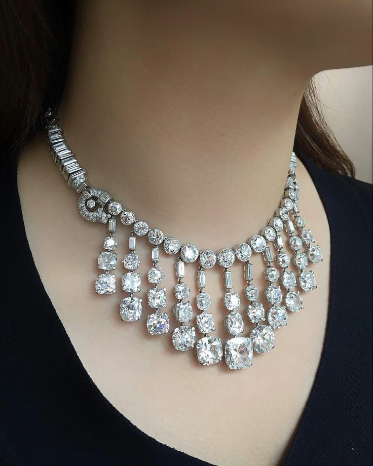 This gloriously restored Art Deco Cartier necklace was first purchased at @Cartier NY in 1937 for $ 65'000 by James Cromwell for his bride Doris Duke. It was offered for sale @Christie's NY in June 2004 in the Doris Duke Collection without the principle diamonds. The buyer lovingly replaced all of the missing stones with age appropriate diamonds bringing it back to life and its former glory. (image @connieluk_christies) #christiesjewels