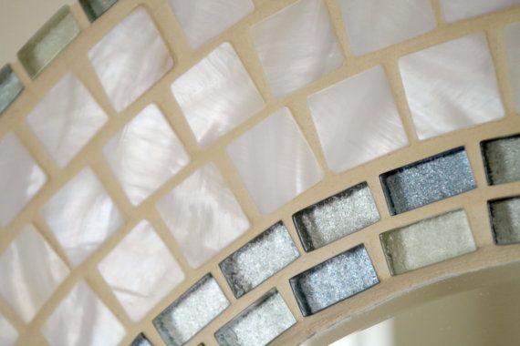 Mosaico hecho a mano hermoso espejo biselado borde blanco