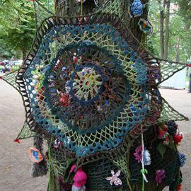 crochet graffiti via crochetspot