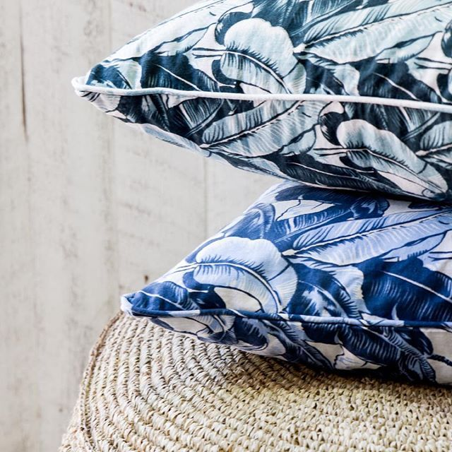 Beautiful Linen Palm Cushions. Last minute Christmas shopping? We are open till 4pm today and 3pm tomorrow #christmaseve #lastchancetomorrow #getinquick #freegiftwrapping #cushion #palm #palmprint #tropical #homestyling #homewares #homedecor #loslunahome #losluna #popup #the4217 #gc #goldcoast #surfersparadise #australia