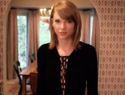 Taylor Swift mostra sua casa em Los Angeles e responde 73 perguntas em novo vídeo #Bad, #CalvinHarris, #Cantora, #Carreira, #Clipe, #Curiosidades, #EdSheeran, #Hoje, #Loira, #Noticias, #Novo, #Popzone, #TaylorSwift, #Vídeo, #Vogue http://popzone.tv/2016/04/taylor-swift-mostra-sua-casa-em-los-angeles-e-responde-73-perguntas-em-novo-video.html
