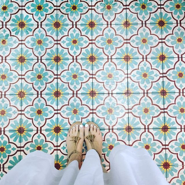 O Star Of Wonder, Star Of Night, Star Of Royal Beauty Bright. #ihavethisthingwithfloors#ihavethisthingwithtiles#ihaveathingwithfloors#amazingfloorsandwanderingfeet#carrelage#design#architecture#fromwhereistand#fwis#igers#instagood#jj#lookingdown#lookyfeets#pattern#singaporegypsy#selfeet#tiles#tileaddiction#viewfromthetop
