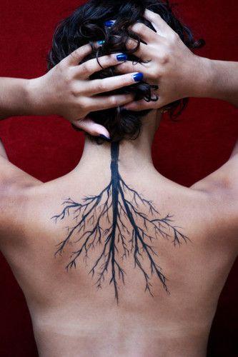 tattoo,tree,bodypaint,roots-28a3872d2b61e5753962eeb68270abbb_h.jpg (333×500)