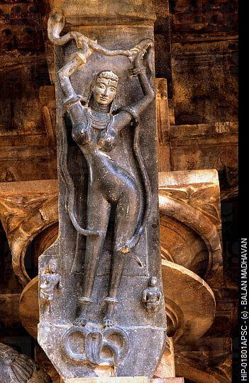 Nagini in India   FIGURE OF NAGINI, RAMAPPA TEMPLE, PALAMPET, ANDHRA PRADESH, INDIA. HIP ... #YOGA