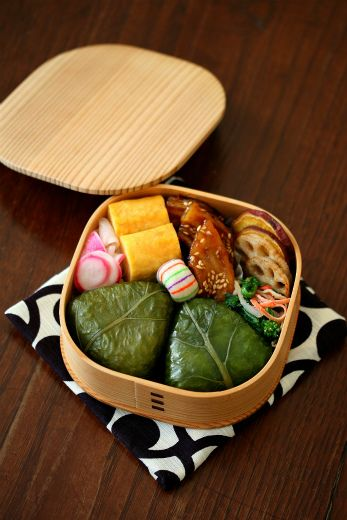 Japanese Nozawana (Turnip Nappa Greens) Onigiri Rice Ball Bento Lunch by ivory bell|野沢菜おにぎり弁当