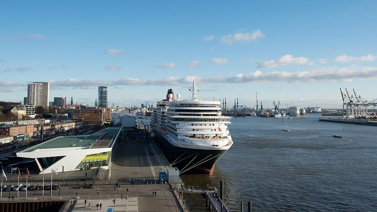 Kreuzfahrt boomt, Seeschifffahrt kriselt: Hamburg sucht im Hafen nach der Balance