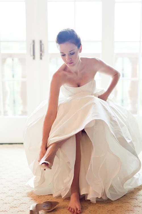 I love bridal portraits like this!