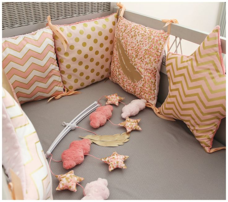 les 25 meilleures id es de la cat gorie tour de lit sur. Black Bedroom Furniture Sets. Home Design Ideas