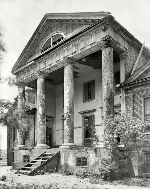 "Lawrence County, Alabama, 1939. ""Freeman Goode Mansion (Mrs. William Skeggs estate). Town Creek vicinity. House built 1821 by the Rev. Turner Saunders."" negative by Frances Benjamin Johnston."