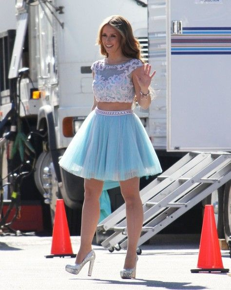 JLH - another too short and frilly skirt. Shouldn't do both. . Horrid. VDR