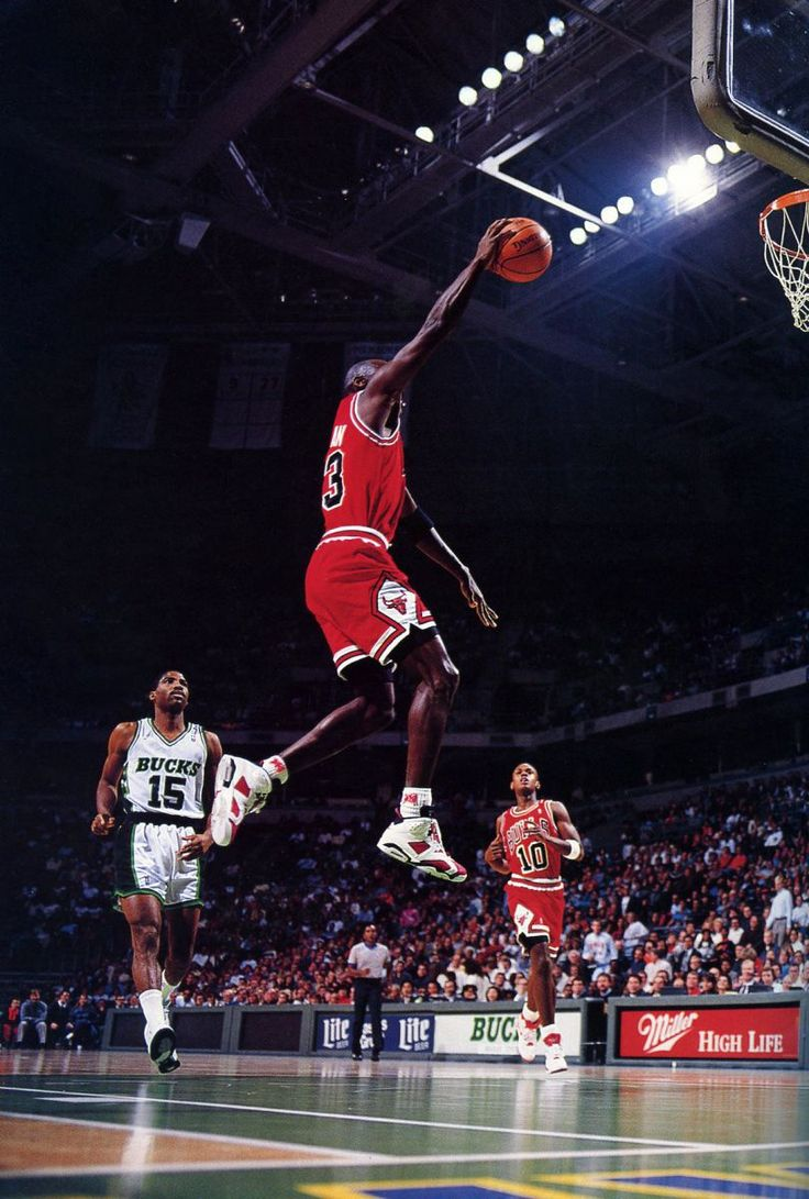 Flashback // Michael Jordan in the Air Jordan VI