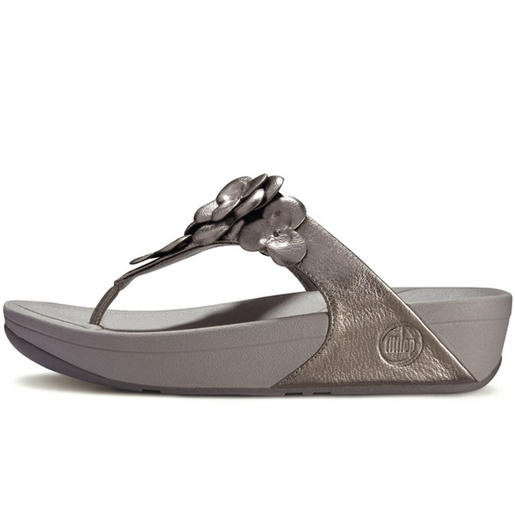 BeautyFeatures.ie - FitFlop - Fleur - Pewter, €99.99 (http://www.beautyfeatures.ie/fitflop-fleur-pewter/)