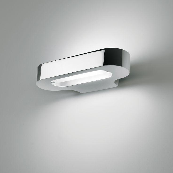 Talo è una lampada da parete dimmerabile in alluminio pressofuso cromato lucido. Sia adatta perfettamente a qualsiasi tipo di ambiente, dal corridoio, al bagno, alla camera da letto. Scopri online gli altri prodotti della categoria illuminazione firmati Artemide. Informazioni tecniche: Lampadina inclusa di tipo: Hdg R7s 120W 2900°K con durata 2000 ore. Tensione: 220-240V