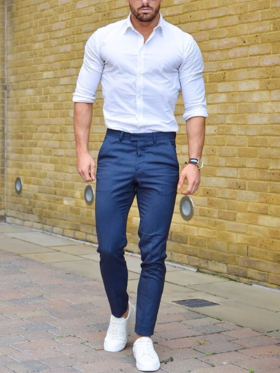 Here's for the ones to master the white shirt like a pro. Learn 3 New Smart Ways to Rock the White Shirt.