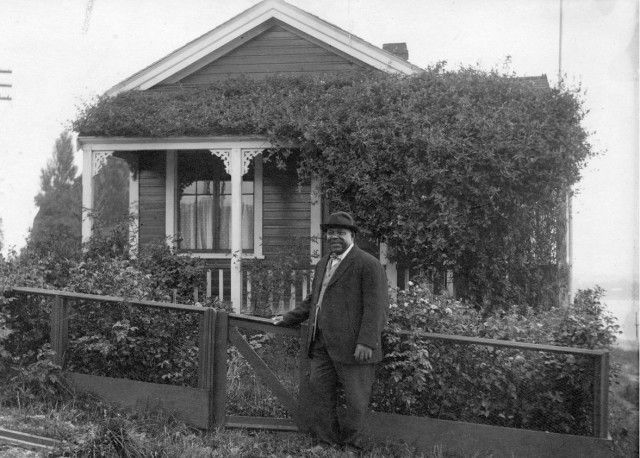 """""""We honoured Joe Fortes with a fountain in Alexandra Park, but how much more awesome would it have been, if we'd kept his house? Not only would it have been one of the oldest structures in Vancouver, it could have made both a great little museum for black history in Vancouver and for the houses that once dotted the water side of Beach Avenue. Instead it went up in flames in 1928."""" - Eve Lazarus 