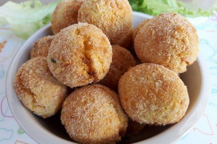 Le polpette di patate e ricotta sono un secondo piatto facile da preparare e molto originale. Ecco la ricetta