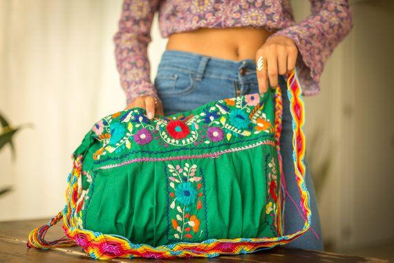 Bolsa Mexicana bordada en Blanco ENVIA GRATIS por EricaMaree